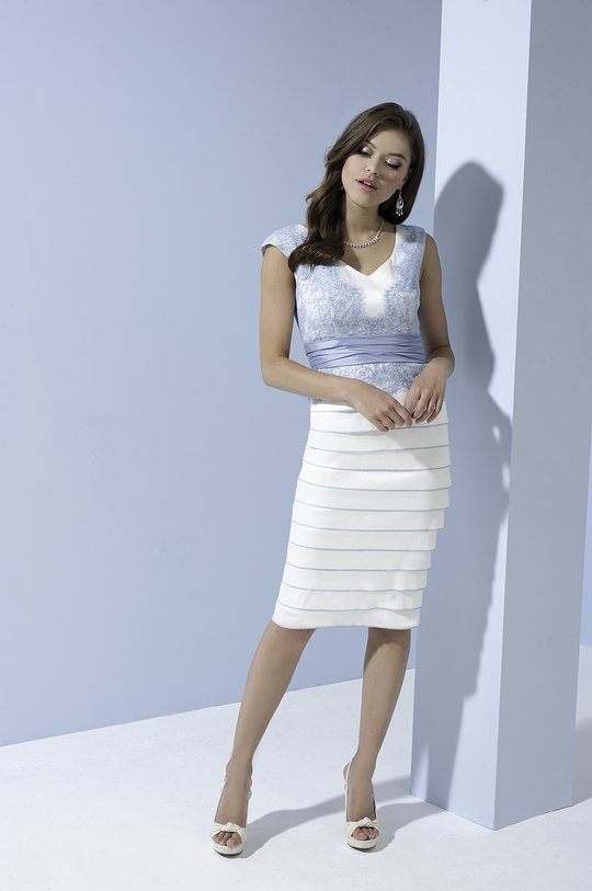 IW955_Cream.Sky Dress