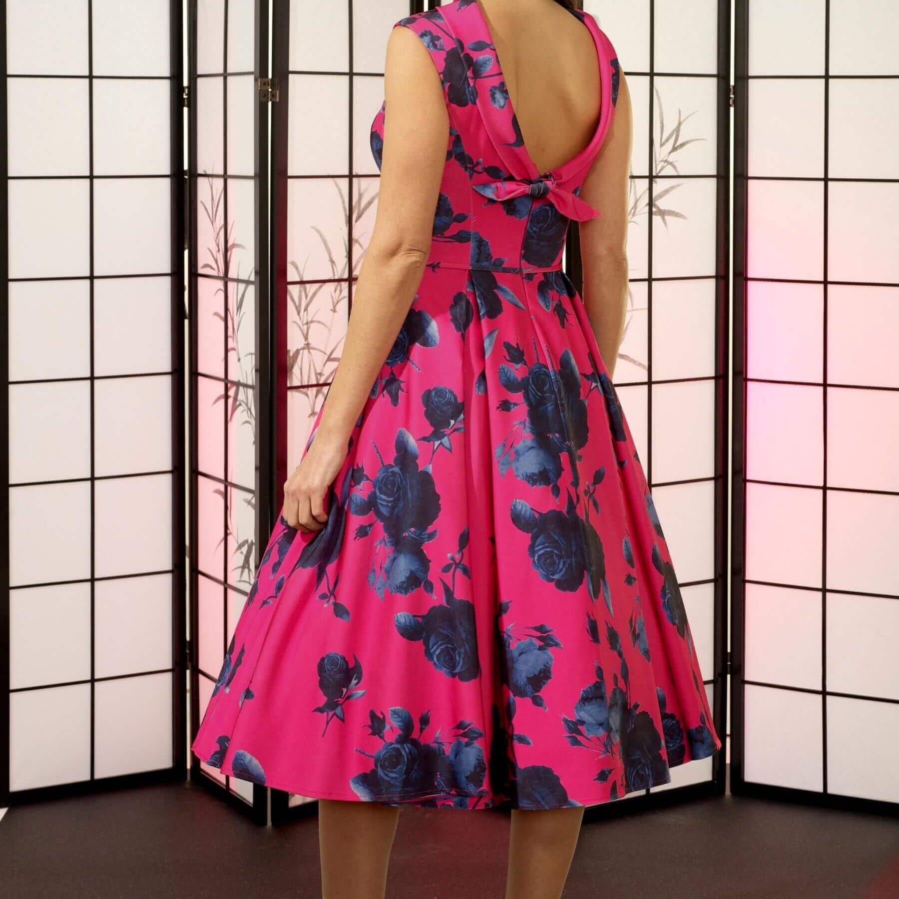 veromia-occasions-vo6419-pink-navy-back_8631b870-b3f9-4e36-b4f8-f12686c5a658